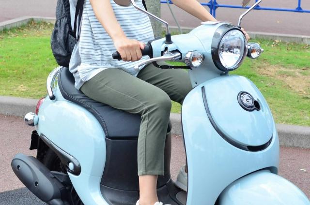 ゆるキャン△実写化ドラマに登場するリンちゃんがバイク「Vinoビーノ」を選んだ理由を解説します。